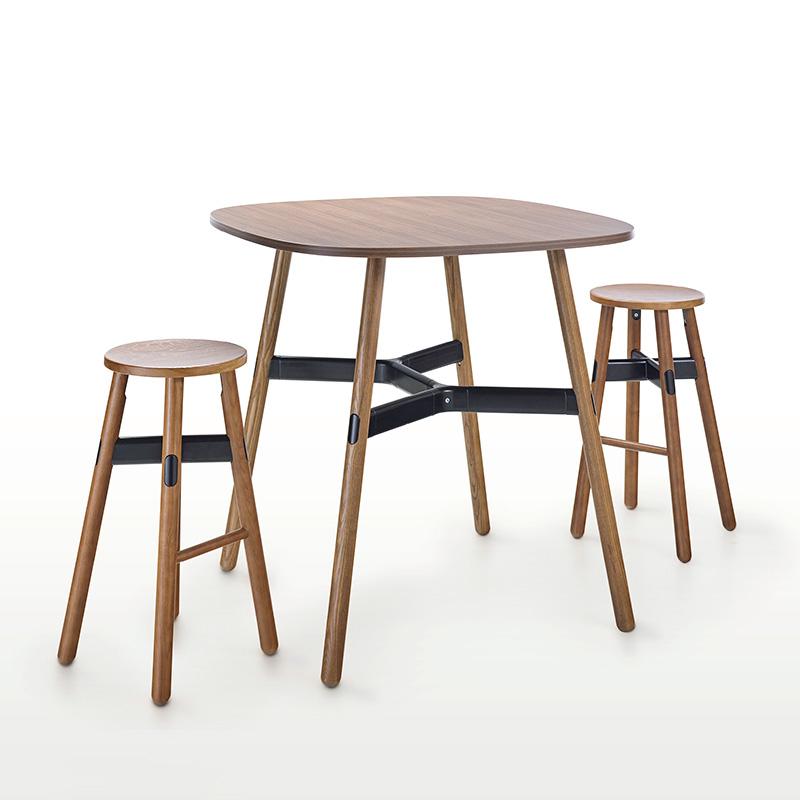 okidoki-table_0006_Background